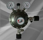Druckminderer für giftige und/oder korrosive Gase